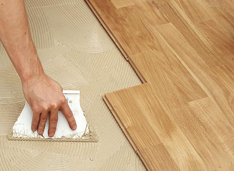Celoplošné lepení podlahy