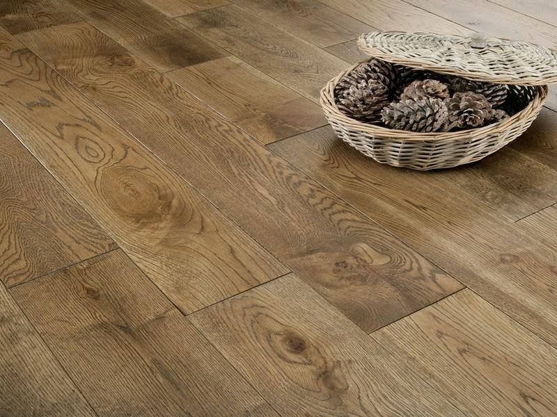 dubová podlaha - CASTLE BROWN olej