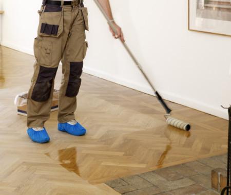 Lakování podlahy